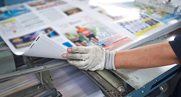 Print operator proofing a large print product